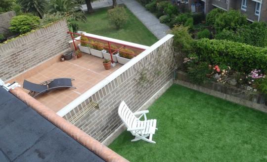 Vista de las terrazas ajardinadas